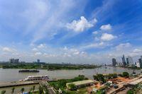 Cho Thuê Căn Hộ 2 PN Vinhomes Golden River - Đầy Đủ Nội Thất & Tràn Ngập Ánh Sáng