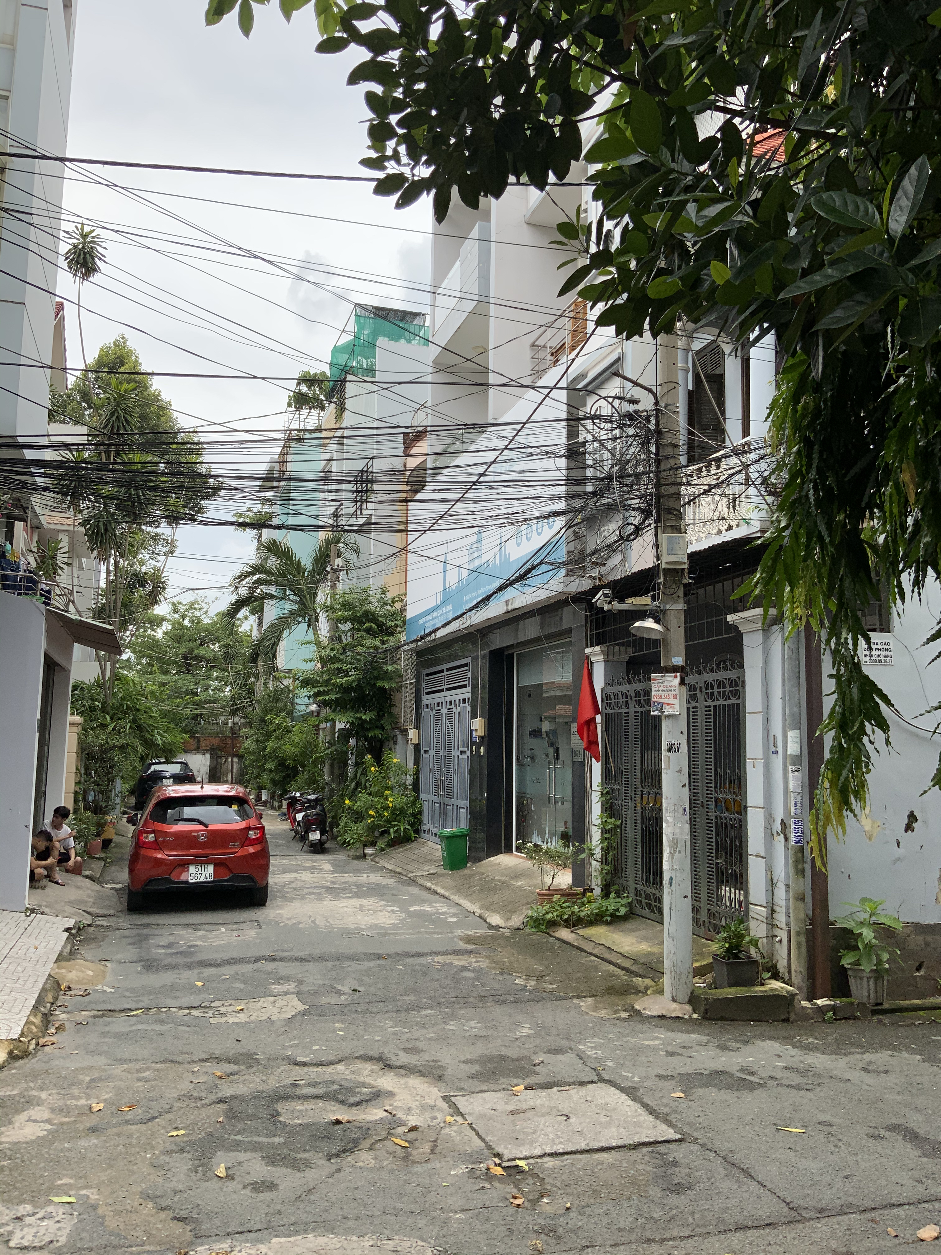 Cho Thuê Nhà Hẻm Xe Hơi Đường Hoàng Hoa Thám Quận Tân Bình -0