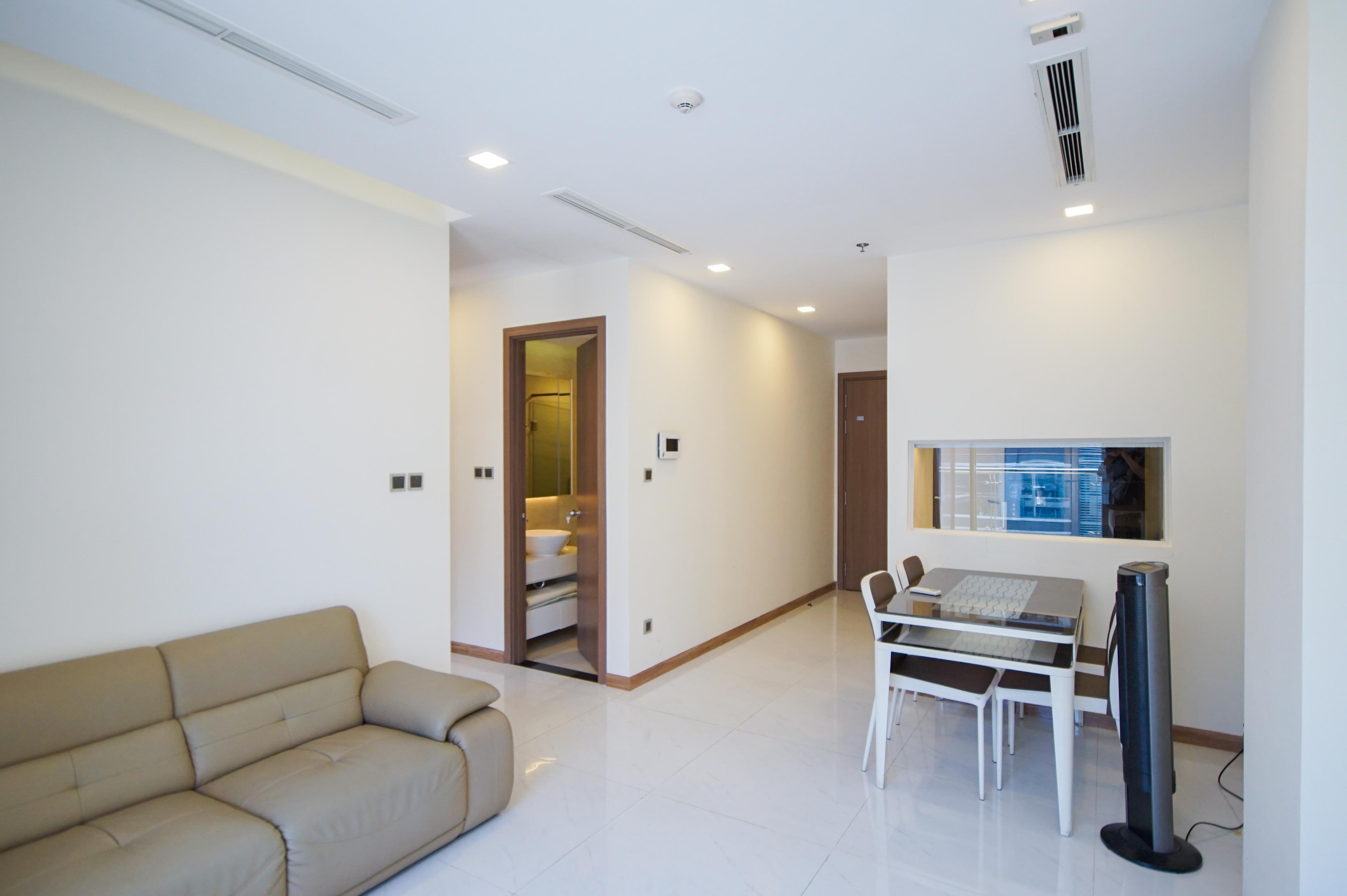 Cho Thuê Căn hộ 2 PN Vinhomes Central Park - Phòng Ngủ Đón Nắng -4