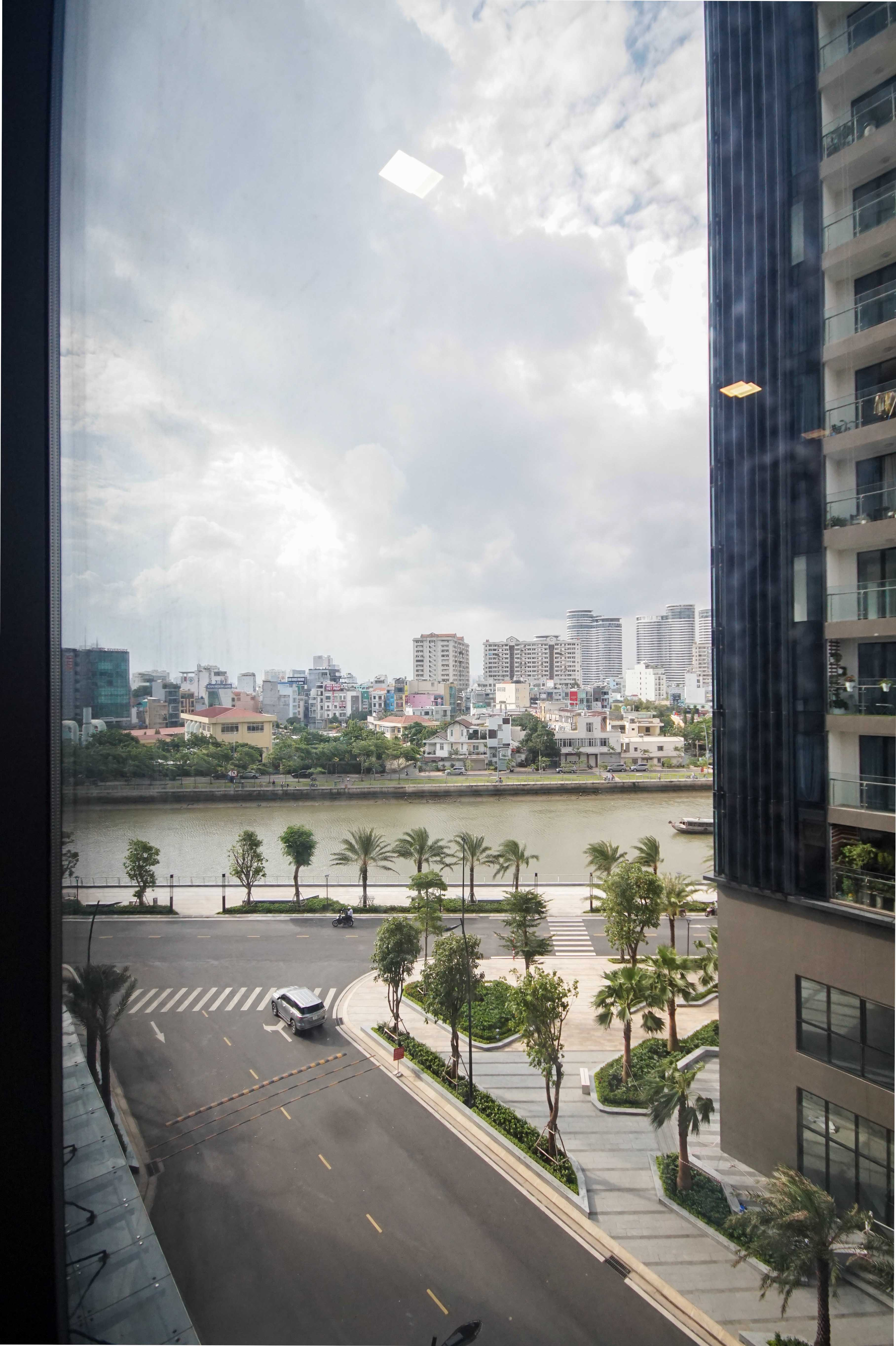 Cho Thuê Căn hộ 3 PN Vinhomes Golden River - Đầy Đủ Nội Thất & Hiện Đại & Thanh Lịch-22