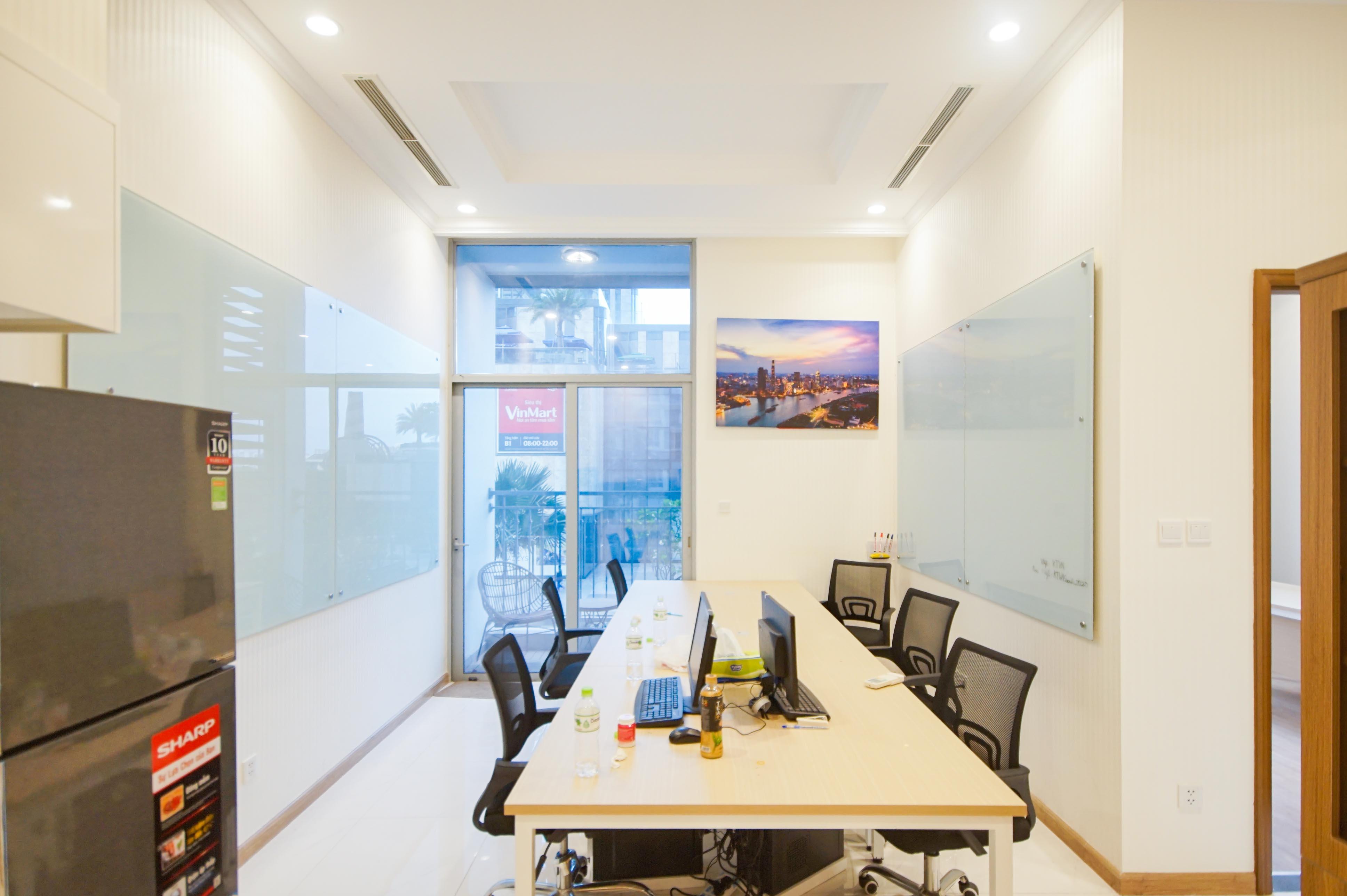 Cho Thuê Office-tel 1 PN Vinhomes Central Park - View Pháo Hoa -0
