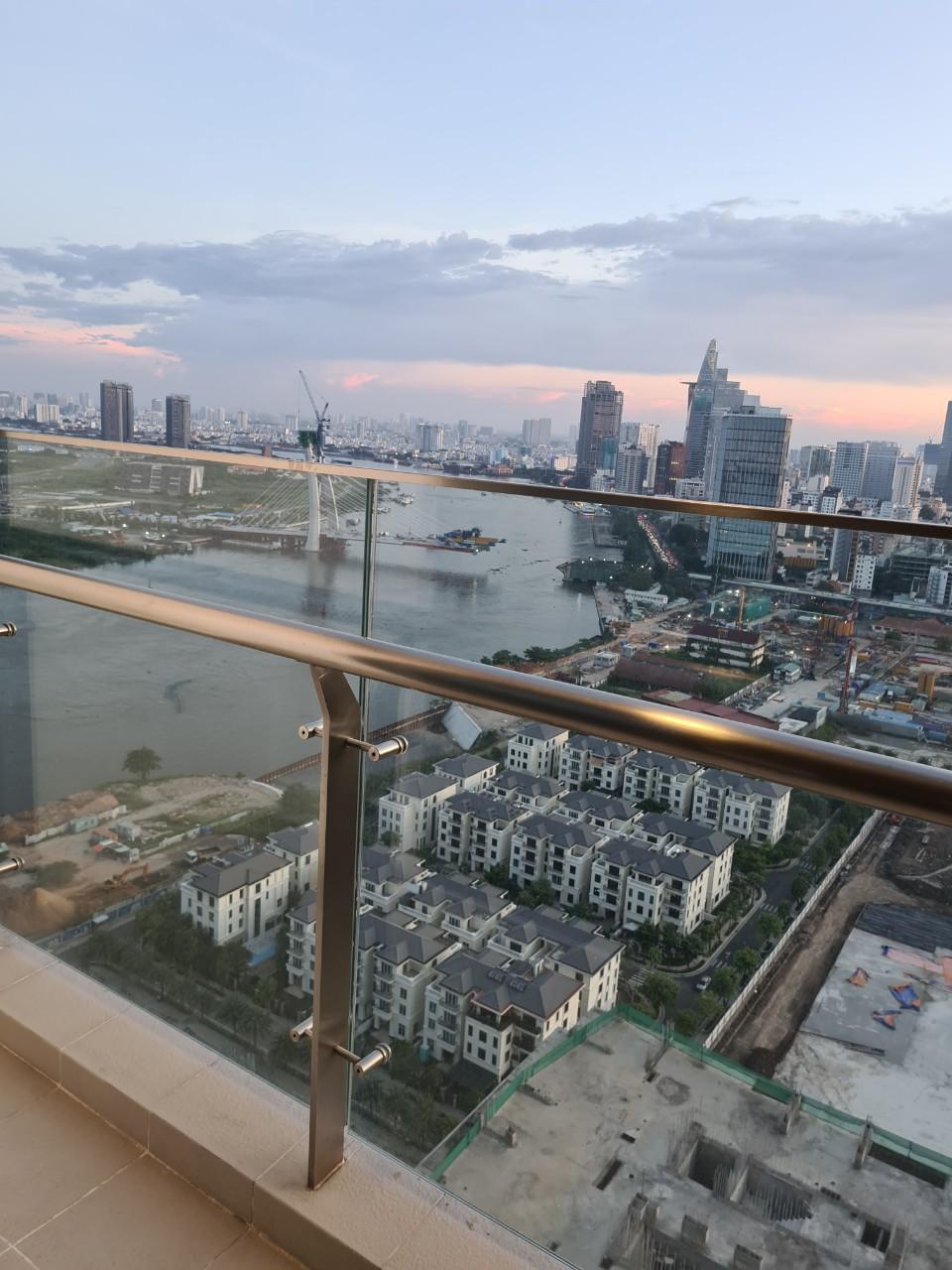 Cho Thuê Căn hộ 2 PN Vinhomes Golden River - Tầng Cao View Thành Phố -3
