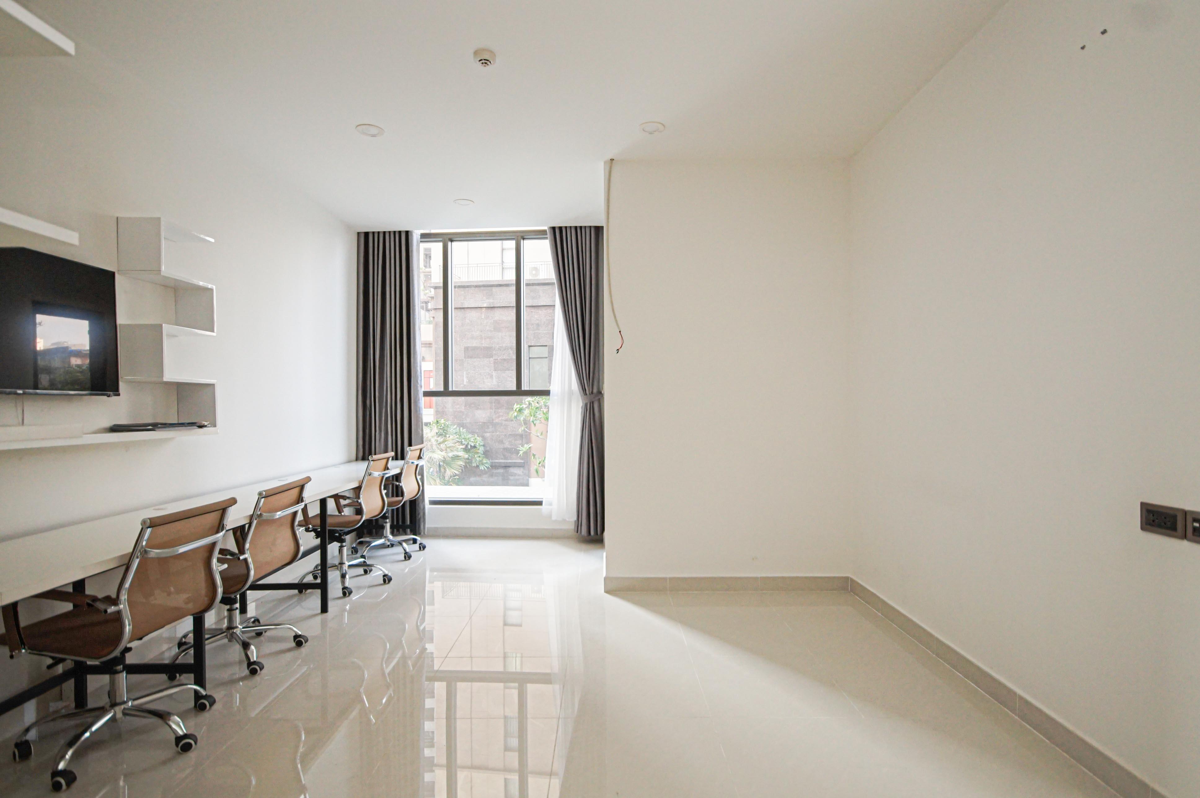 Cho Thuê Căn hộ Office-tel 1 PN Saigon Royal Residence - Nội Thất Cơ Bản & Ấm Cúng-0