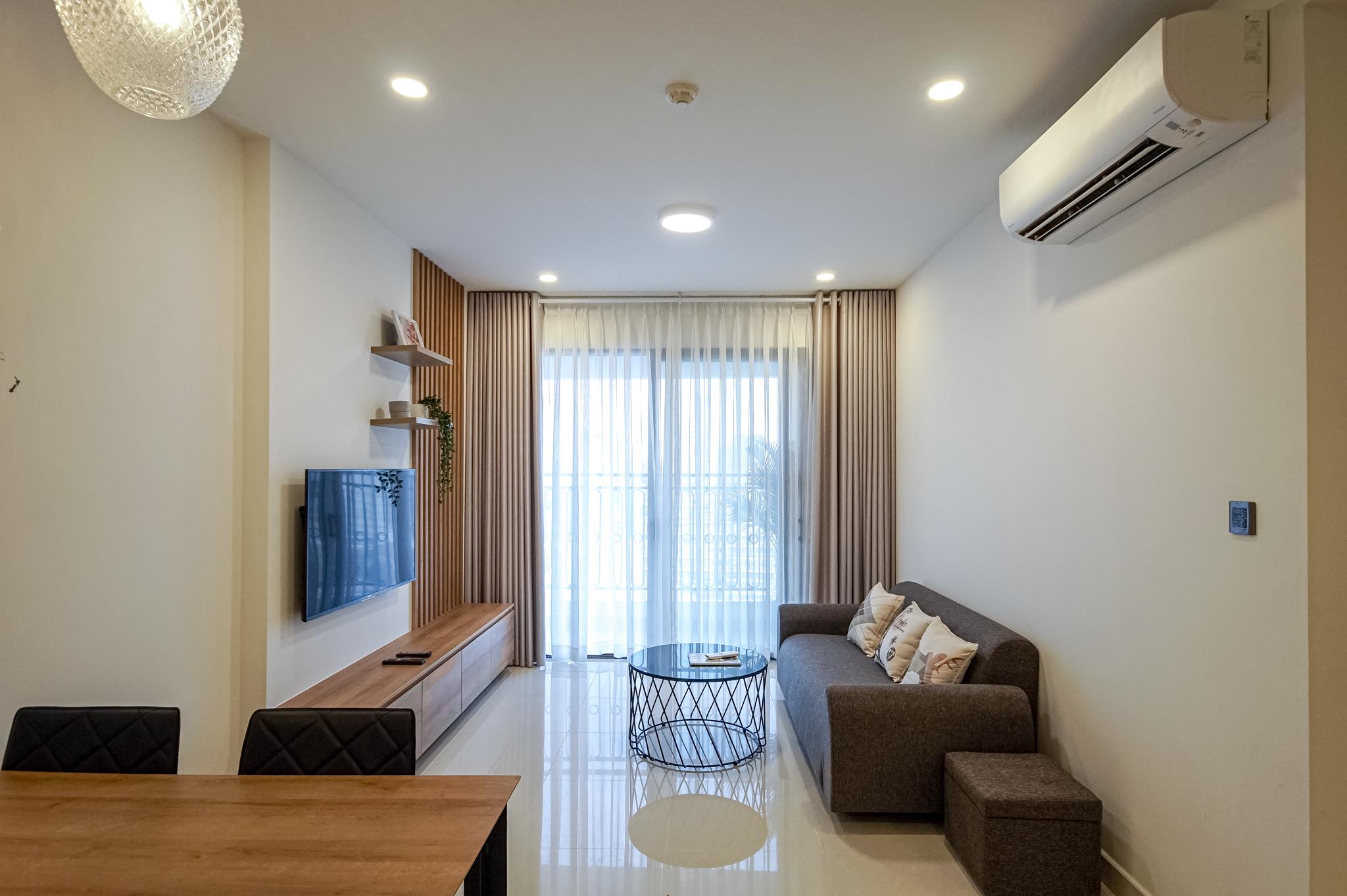 Căn hộ 2 PN Saigon Royal Residence - Đầy Đủ Nội Thất & Thanh Lịch-1