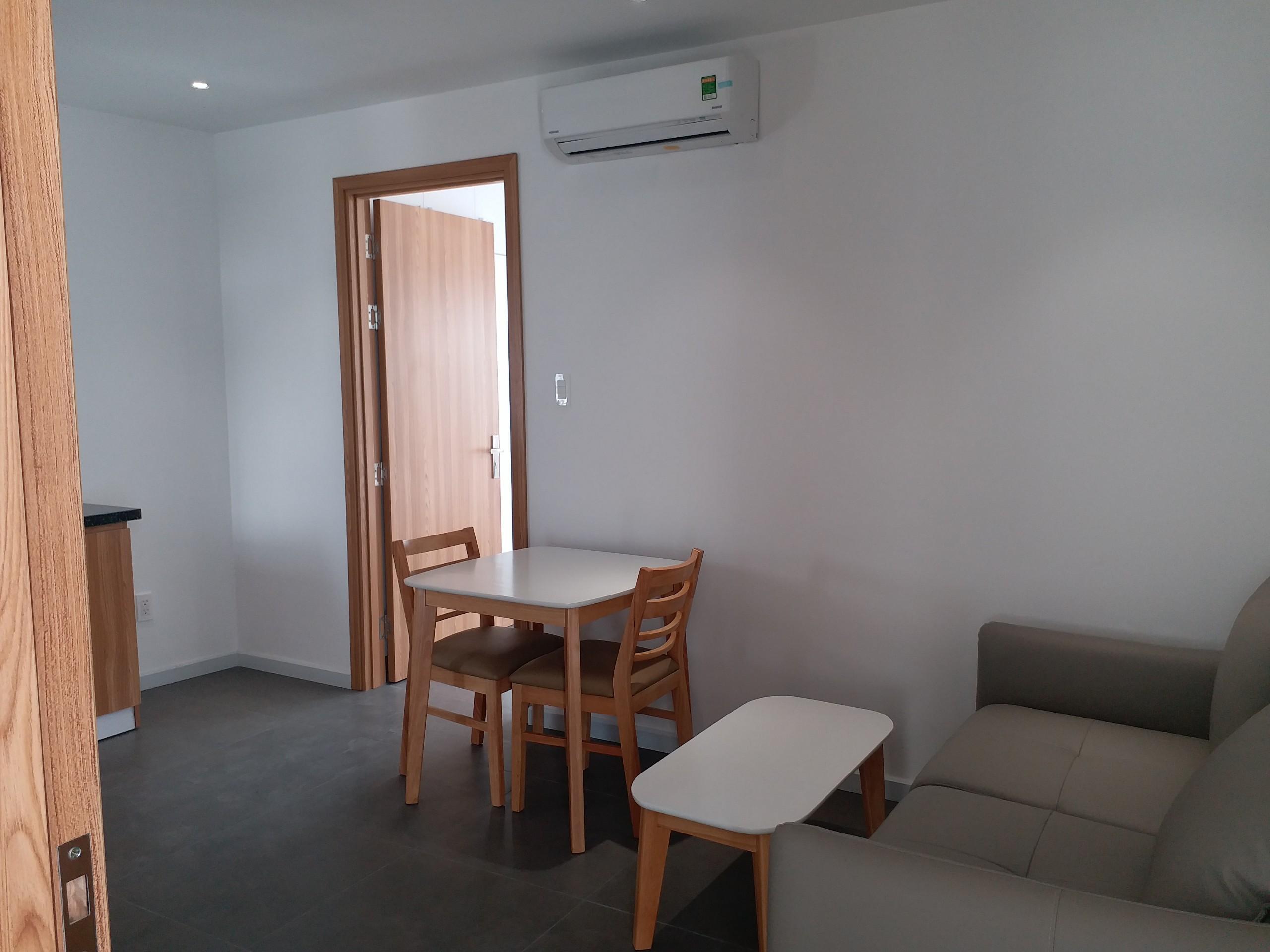Cho Thuê Căn Hộ Dịch Vụ 1 PN Quoc Huong - Phòng Ngủ Đón Nắng -0