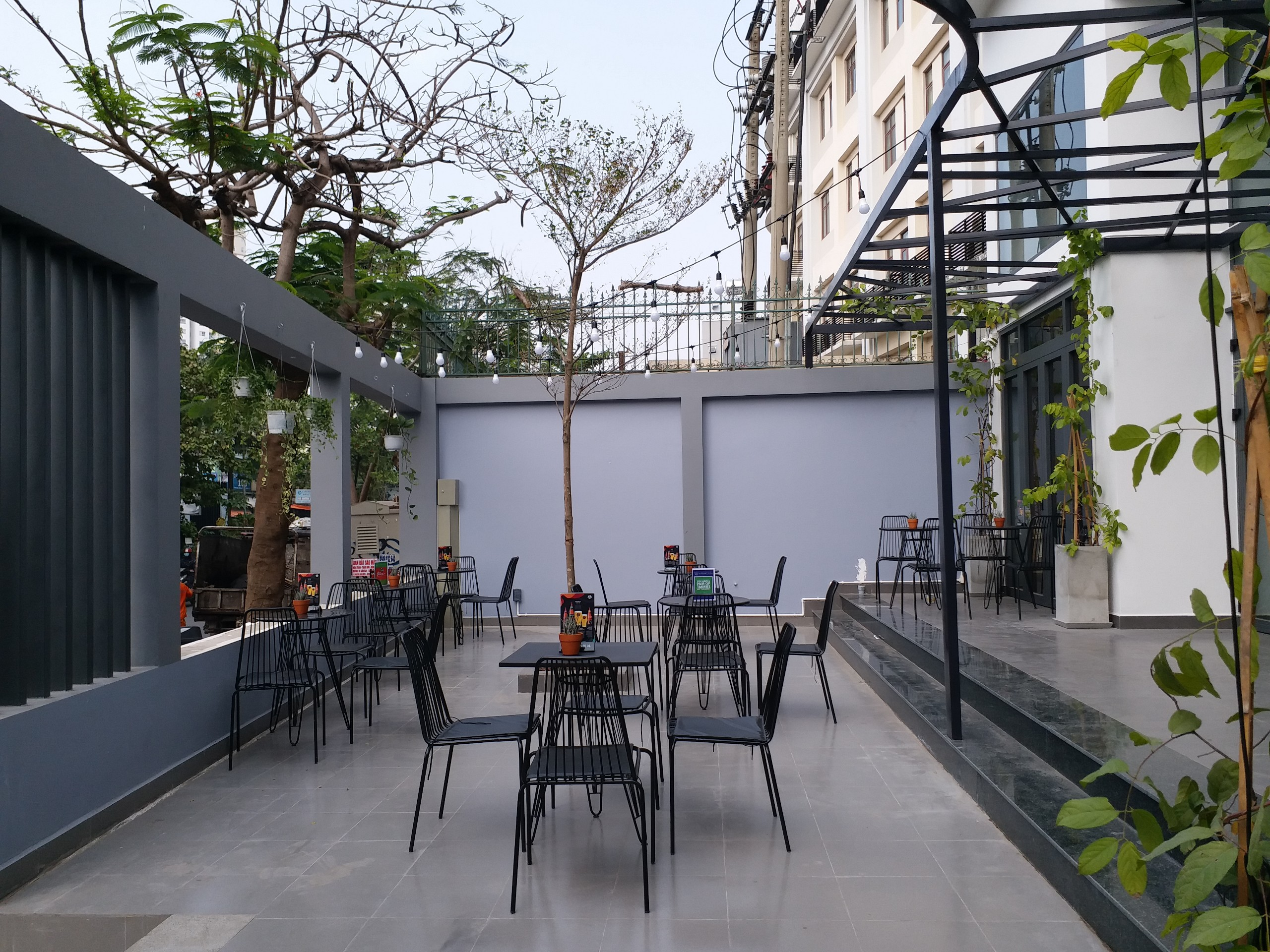 Cho Thuê Căn Hộ Dịch Vụ 1 PN Quoc Huong - Phòng Ngủ Đón Nắng -12