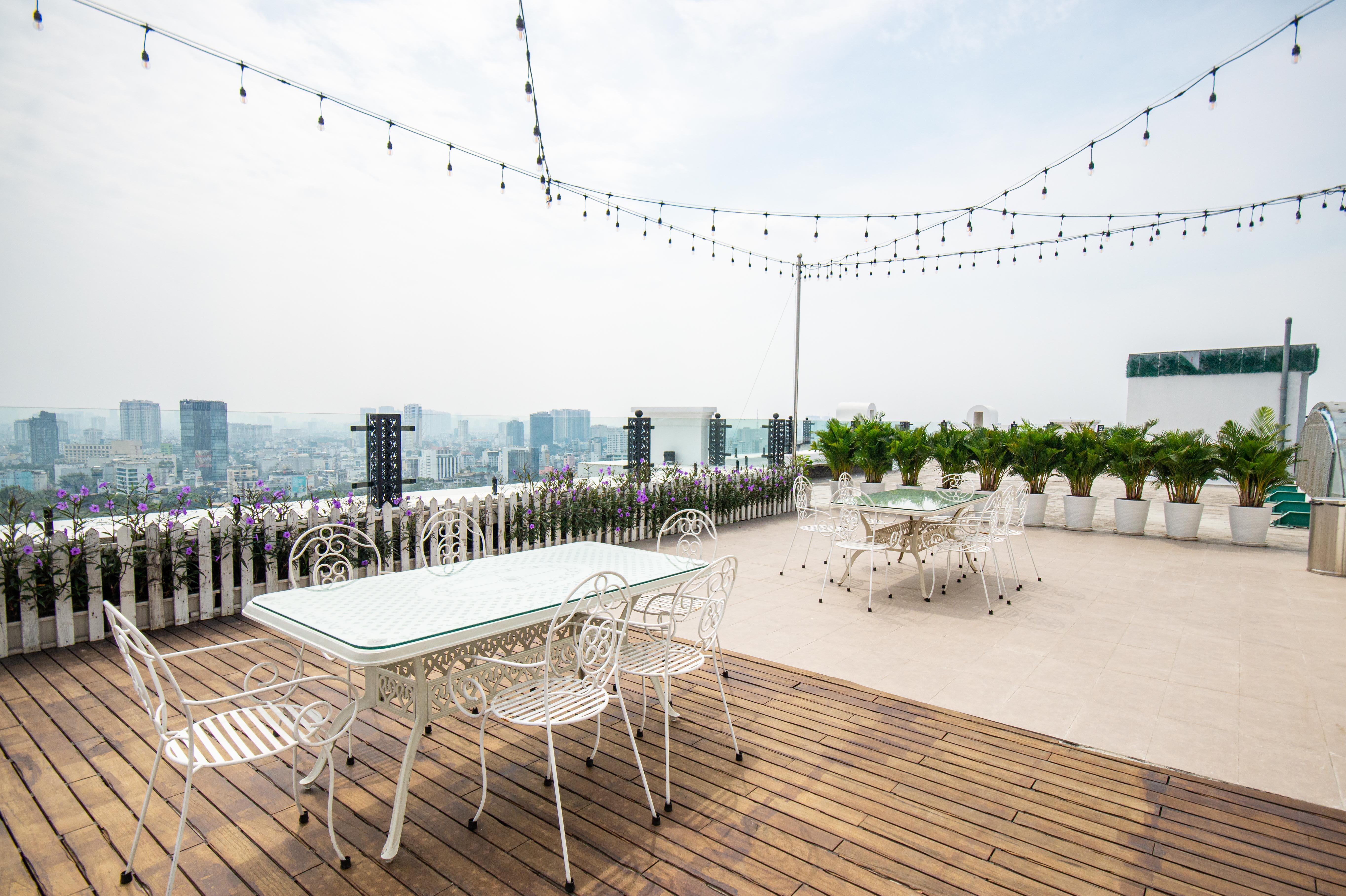 Cho Thuê Căn hộ 2 PN Léman Luxury - Nội Thất Sang Trọng-19