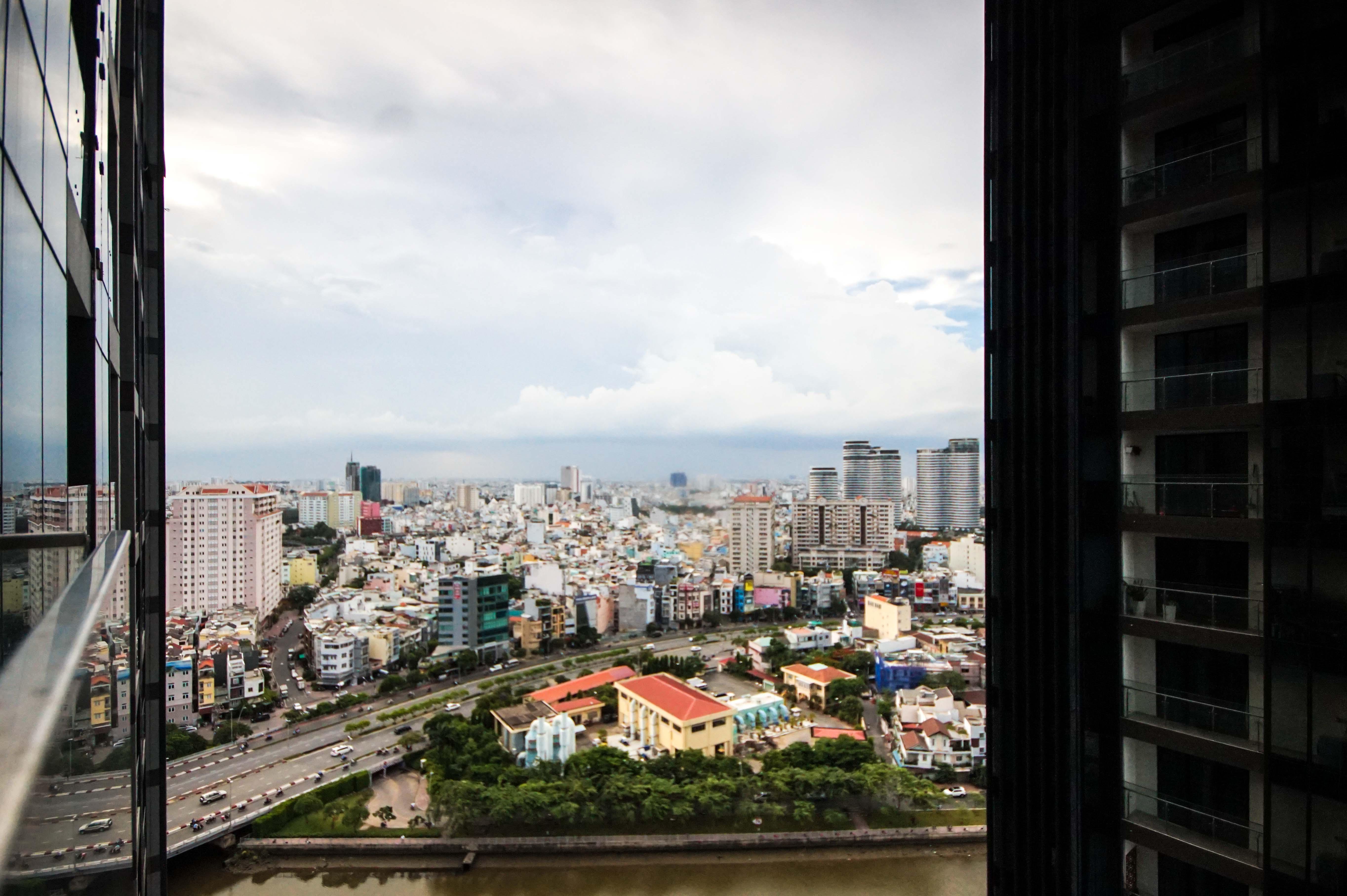 Căn hộ 2 PN Vinhomes Golden River - Không Nội Thất & Thân Thiện-9
