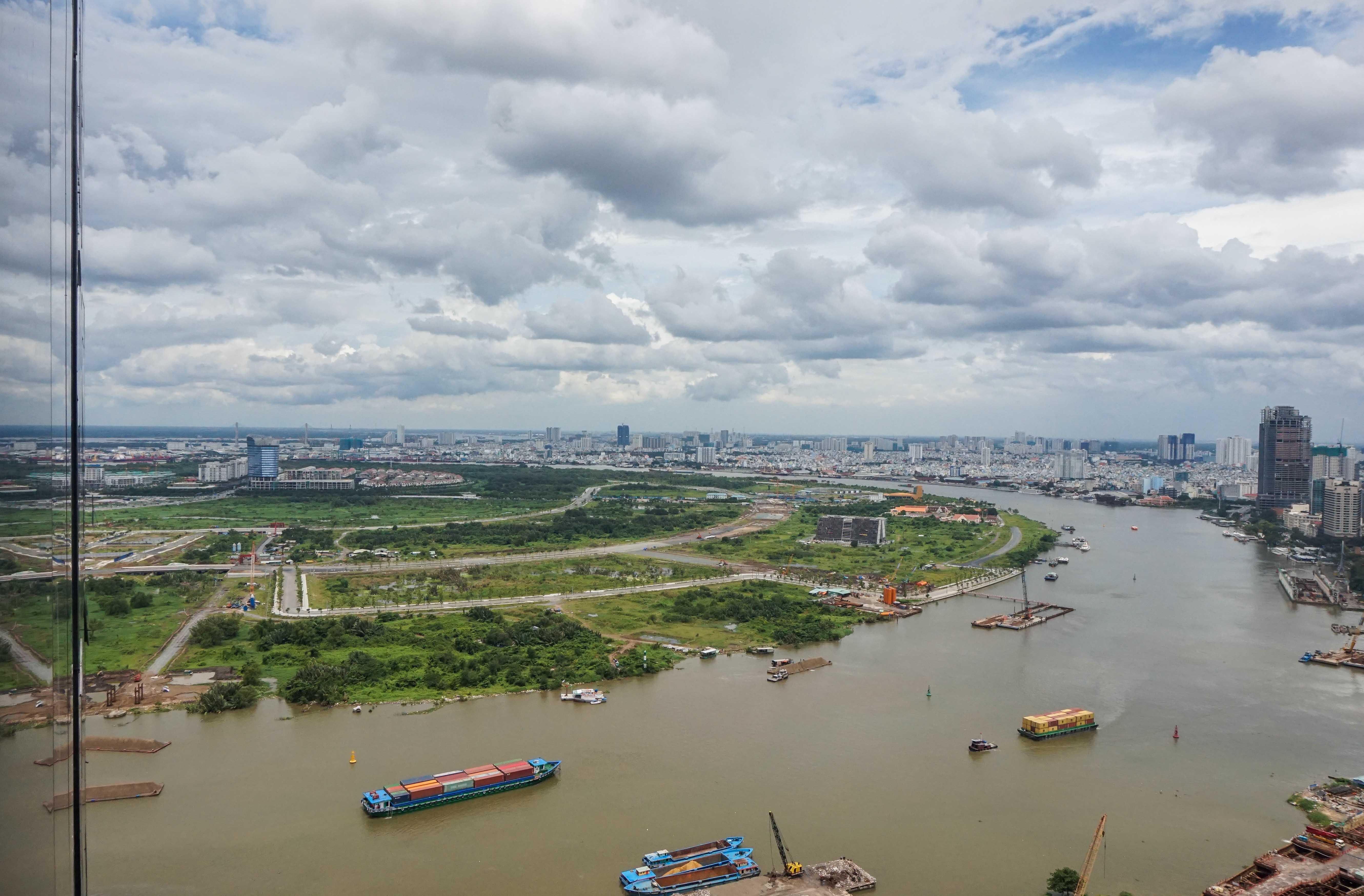 Căn hộ 1 PN Vinhomes Golden River - Nội Thất Cơ Bản & Trang Nhã-3