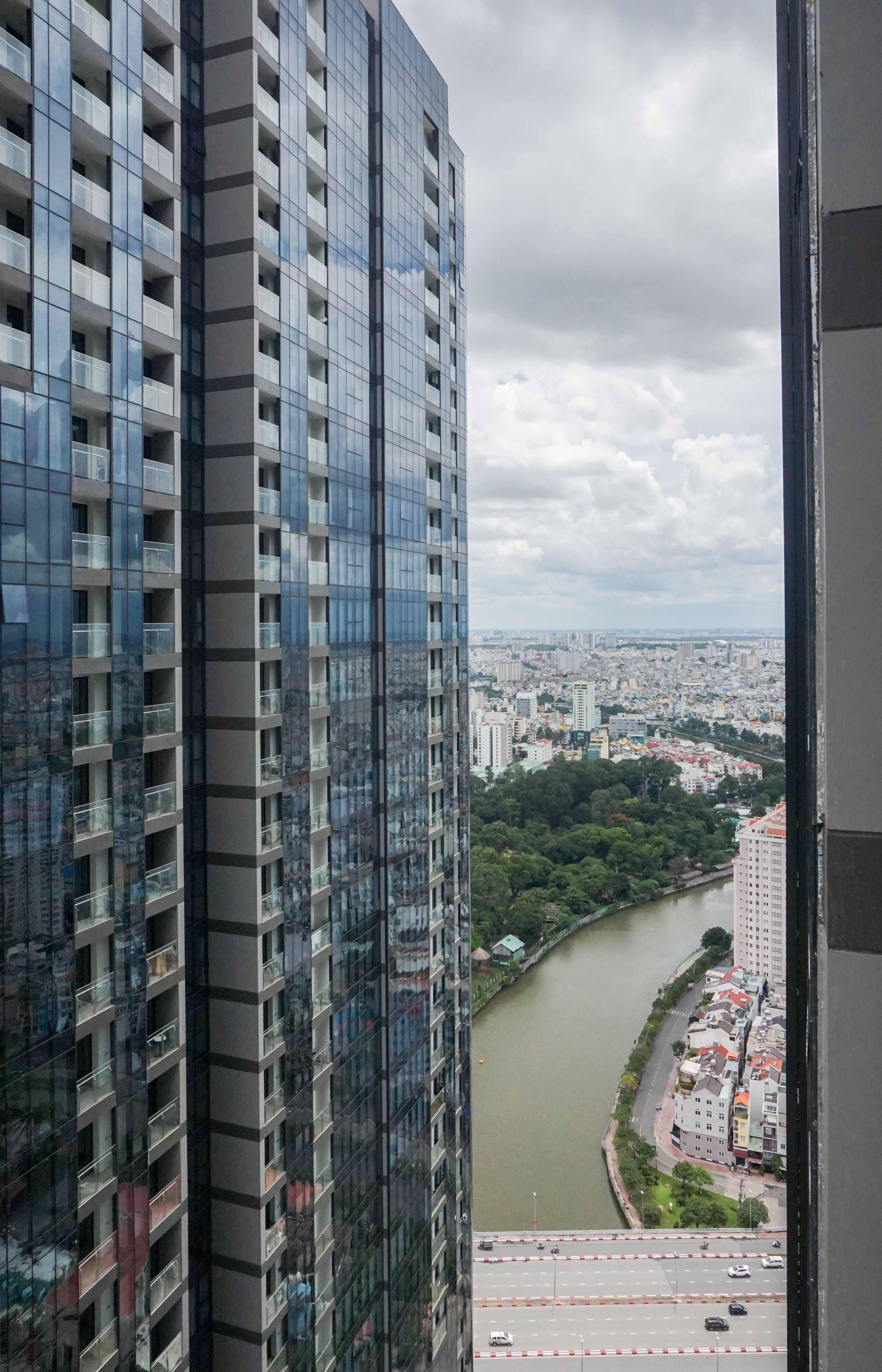 Căn hộ 1 PN Vinhomes Golden River - Nội Thất Cơ Bản & Trang Nhã-11