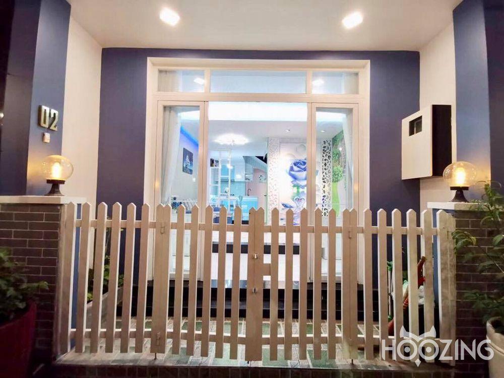 Bán nhà mặt tiền đường Bùi Minh Trực quận 8