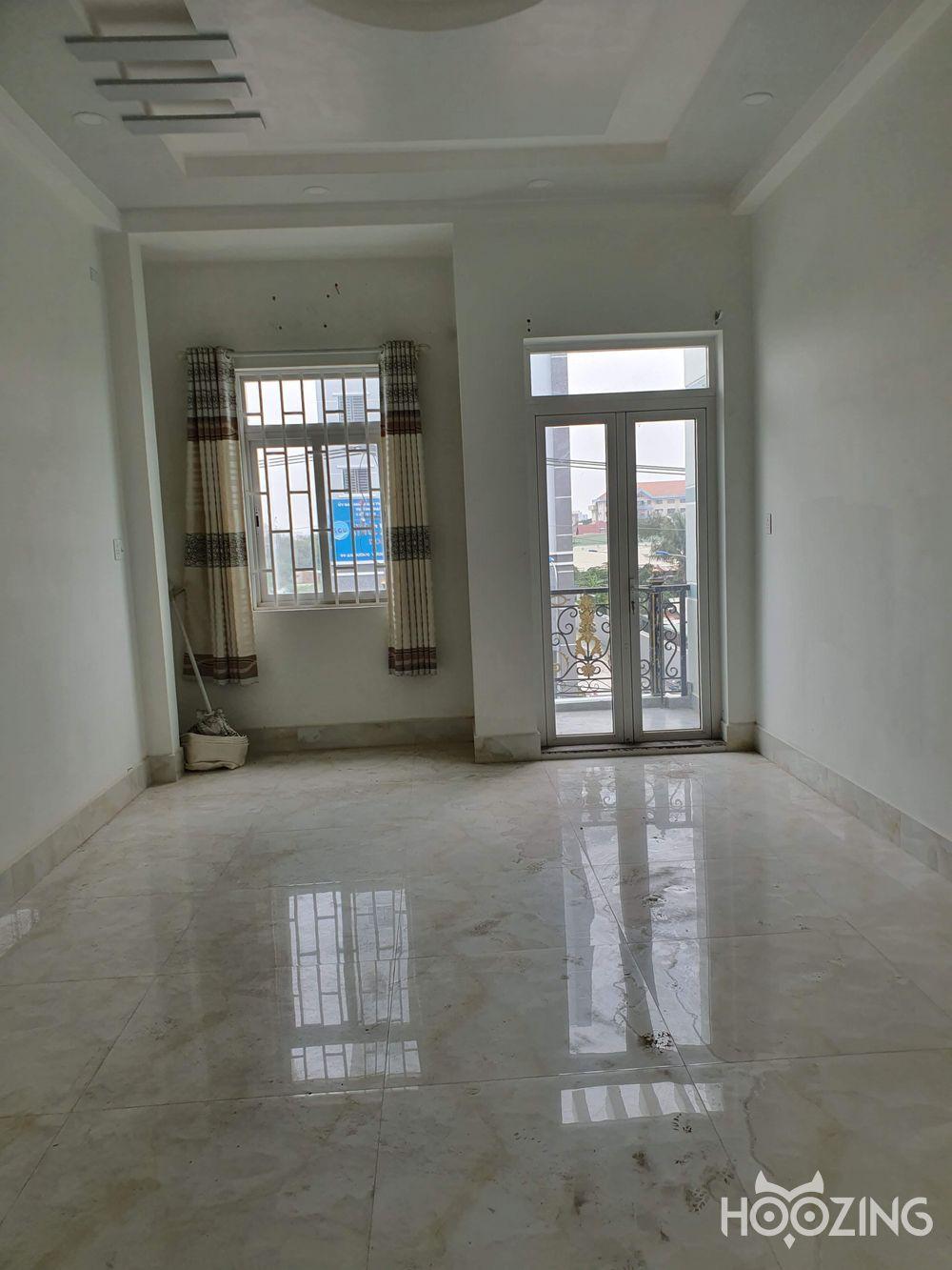 Townhouse For Rent On An Duong Vuong Street District 8