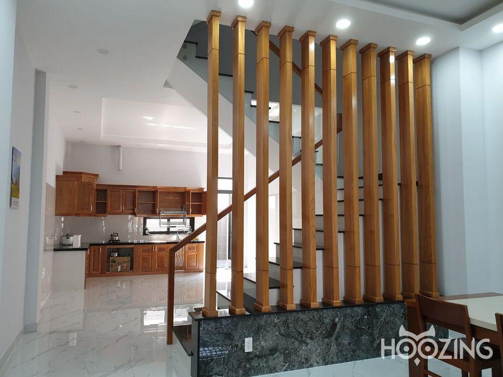 Cho Thuê Biệt Thự Mặt Tiền Đường Nguyễn Trung Nguyệt Quận 2 - Căn Đẹp Nhất Đoạn Đường