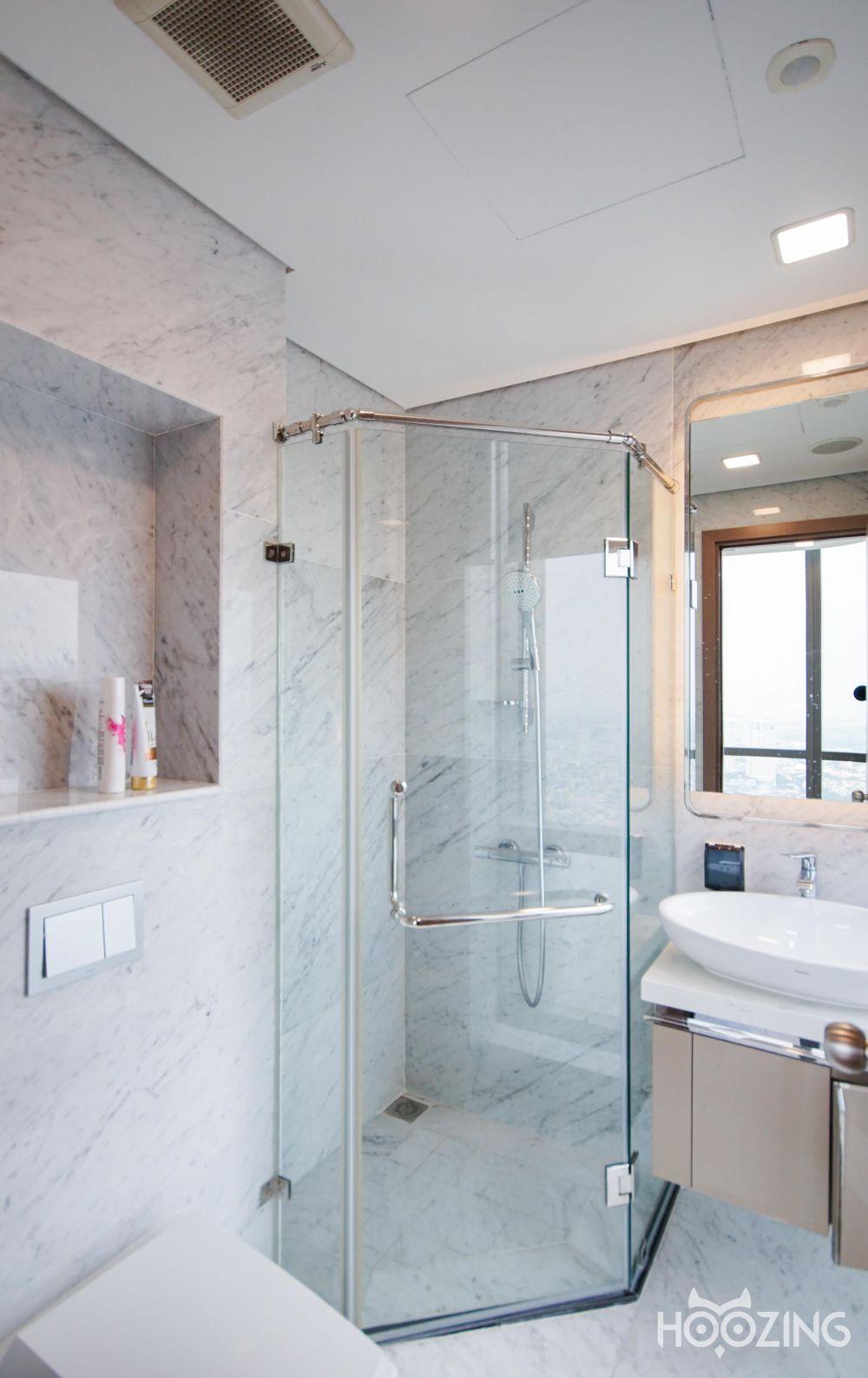 Landmark 81  - Vinhomes Central Park Apartment 3 Bedrooms - Basic Furnished & Spacious