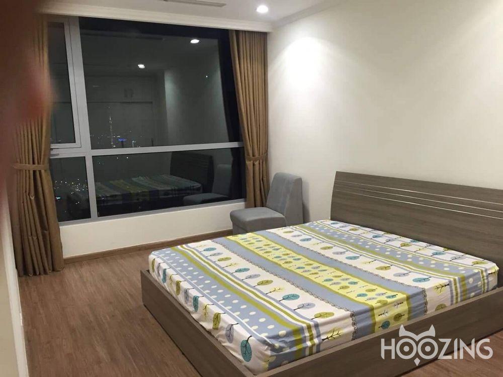 Vinhomes Central Park Apartment 2 Bedrooms - Fully Furnished & Decent