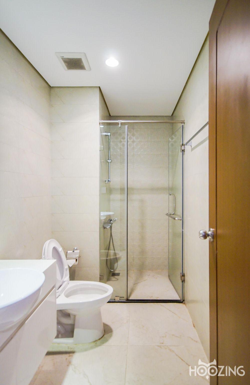 Vinhomes Central Park Apartment 2 Bedrooms for Rent - Sparkling Furniture