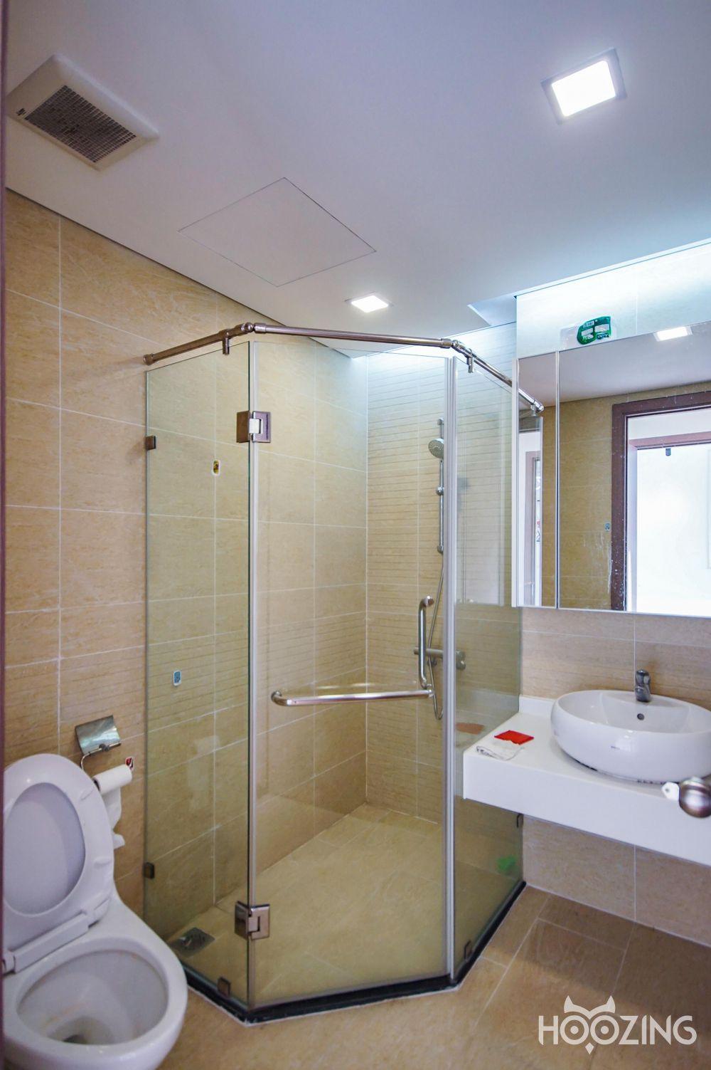 Vinhomes Central Park Office-tel Apartment 2 Bedrooms - Basic Furnished & Sun-Filled