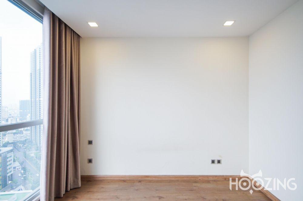 Vinhomes Central Park Apartment 2 Bedrooms for Rent -  Sun-Filled Living Room & Bedroom