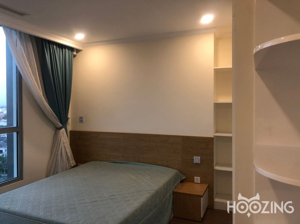 Vinhomes Central Park Apartment 4 Bedrooms for Sale - Fully Furnished & Spacious