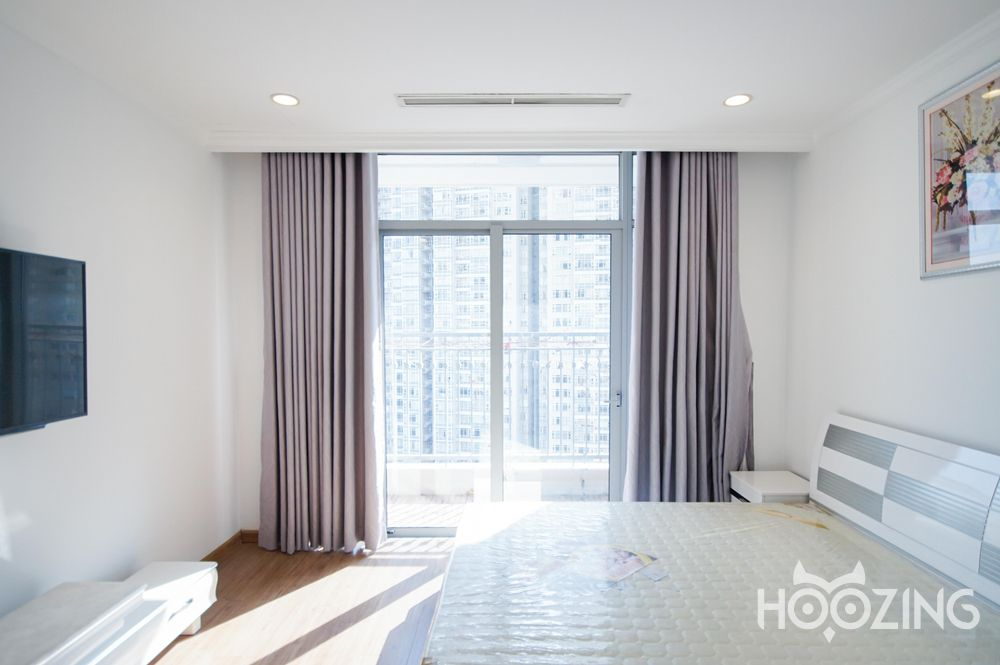 Vinhomes Central Park Apartment 4 Bedrooms for Rent -  Stunning River View