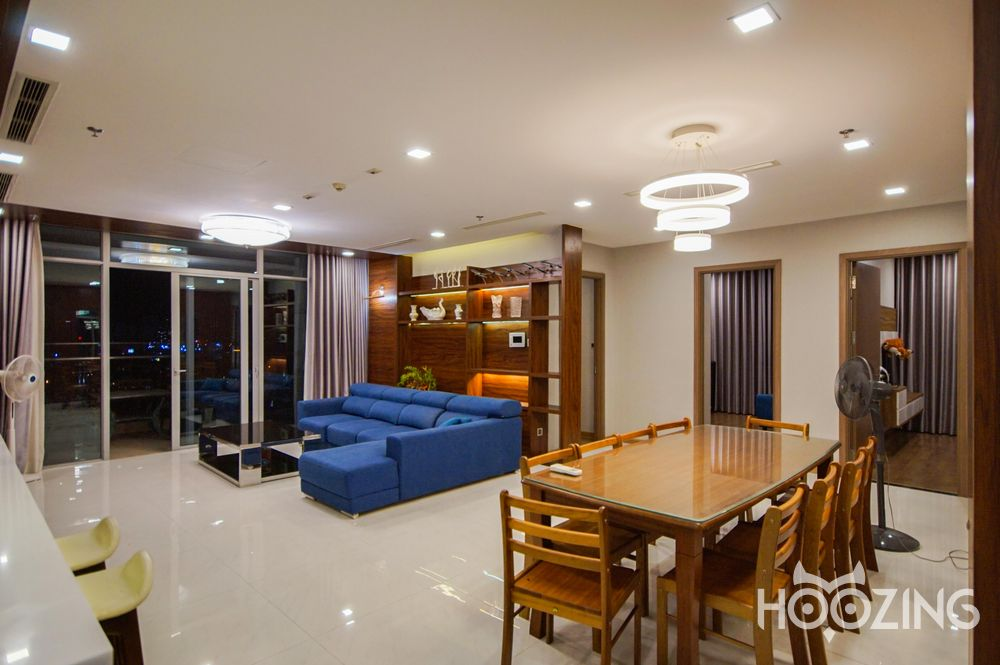 Vinhomes Central Park Apartment 4 Bedrooms for Rent - Stunning Spacious Condo