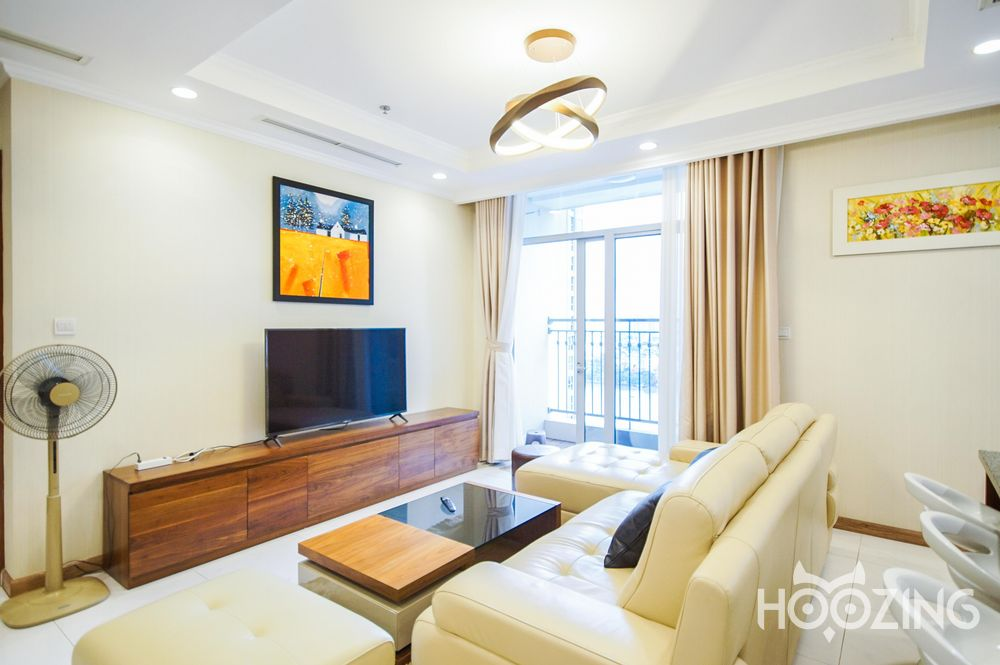 Vinhomes Central Park Apartment 4 Bedrooms - Fully Furnished & Generously-Sized
