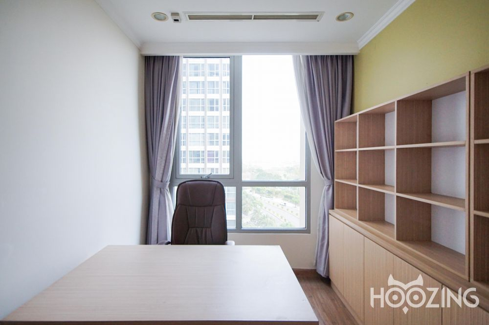 Vinhomes Central Park Apartment 4 Bedrooms - Fully Furnished & Spacious