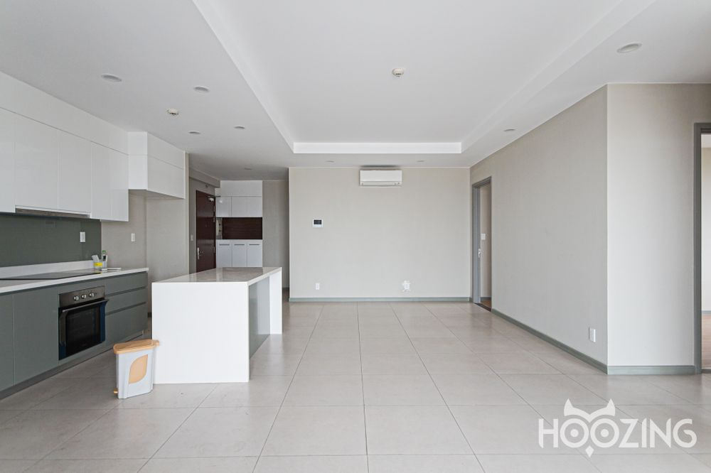 The Goldview Apartment 3 Bedrooms - Basic Furnished & Airy