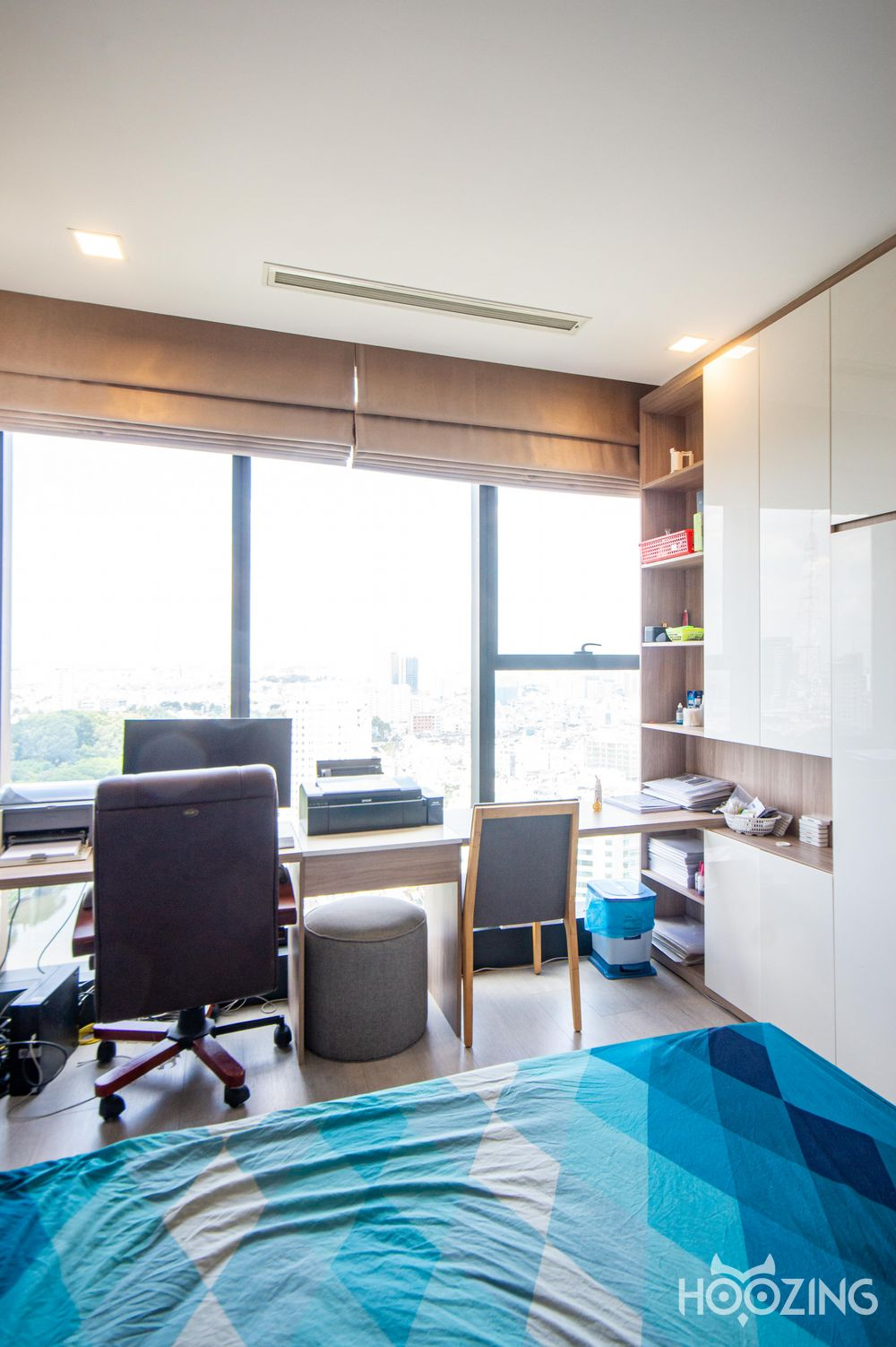 Vinhomes Golden River Apartment 2 Bedrooms - Fully Furnished & Modern