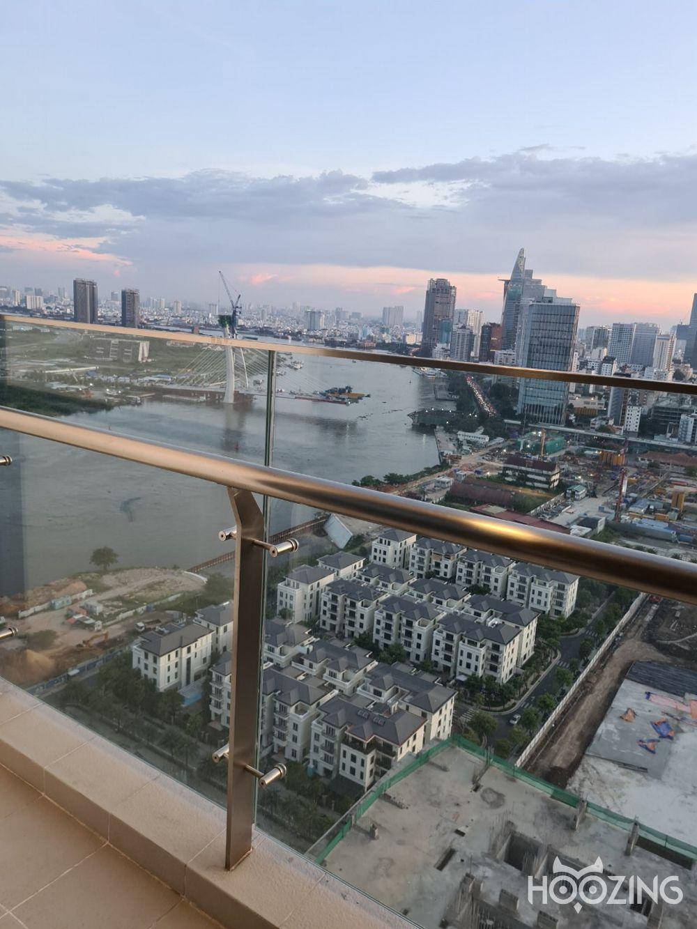Cho Thuê Căn hộ 2 PN Vinhomes Golden River - Tầng Cao View Thành Phố