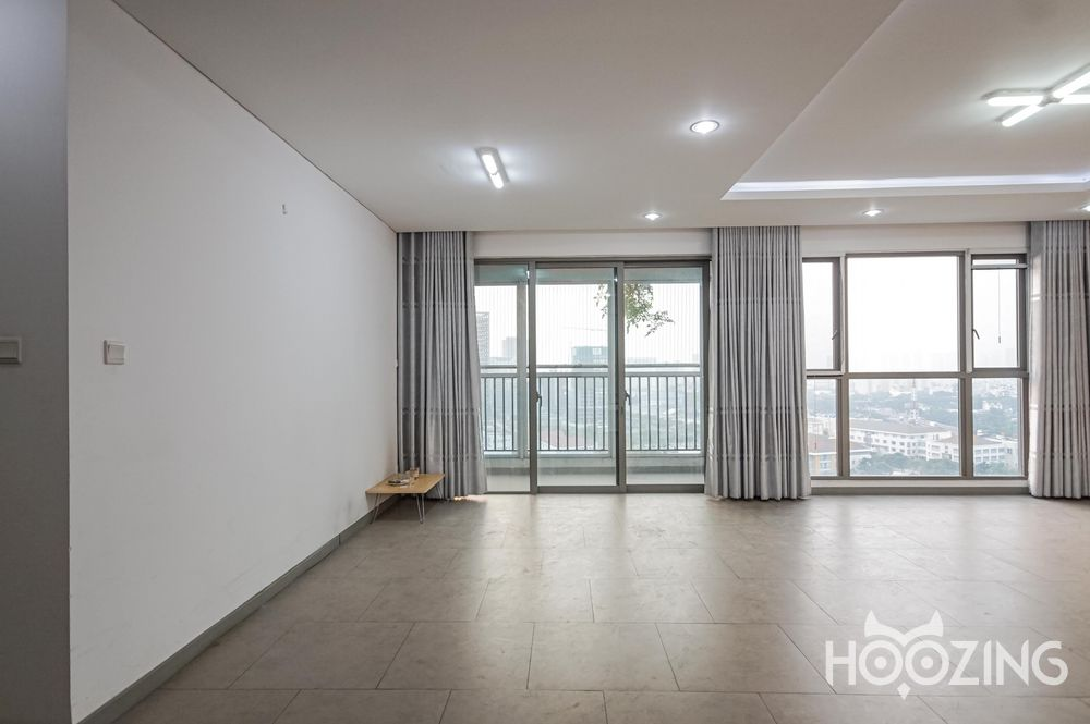 Riviera Point Apartment 3 Bedrooms - Unfurnish & Sun-Filled