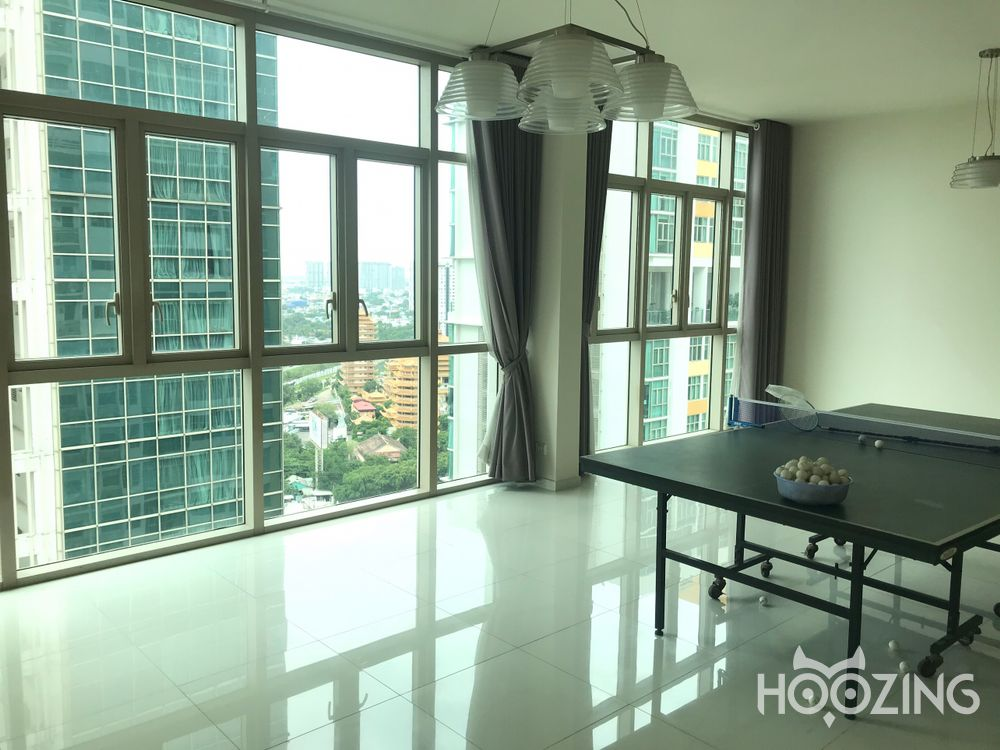 The Vista Apartment 4 Bedrooms - Basic Furnished & Sun-Filled